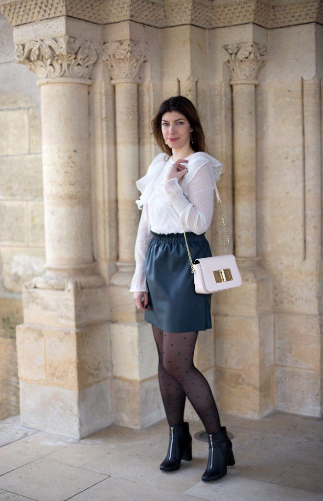 look blouse plumetis jupe simili cuir