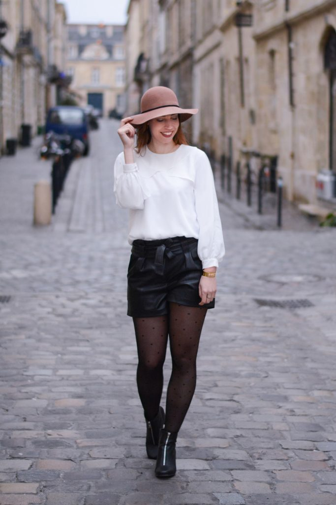 streetstyle look black and white