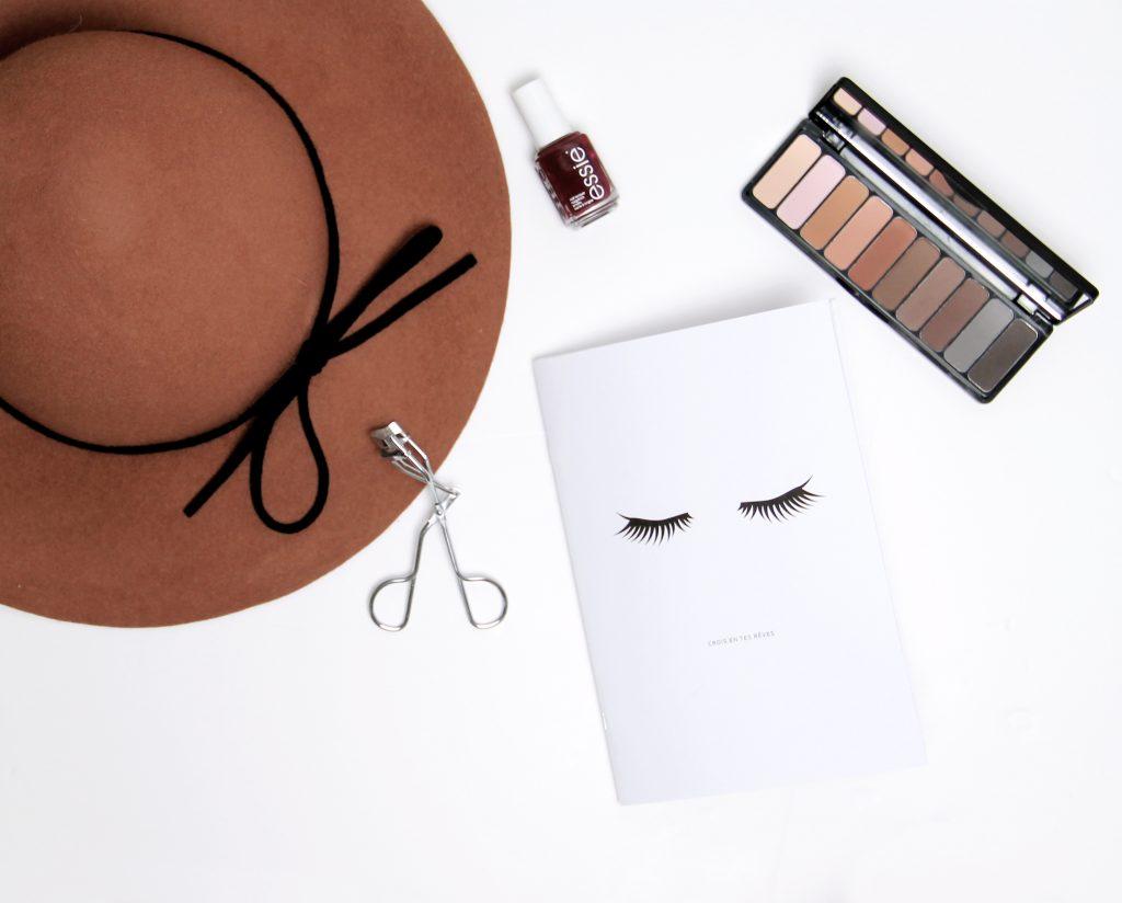 carnet eyes beauty addict