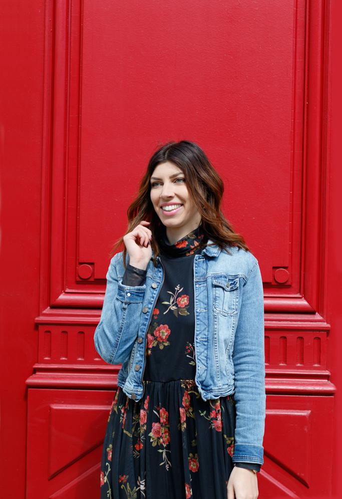 robe longue fleurs et veste jean