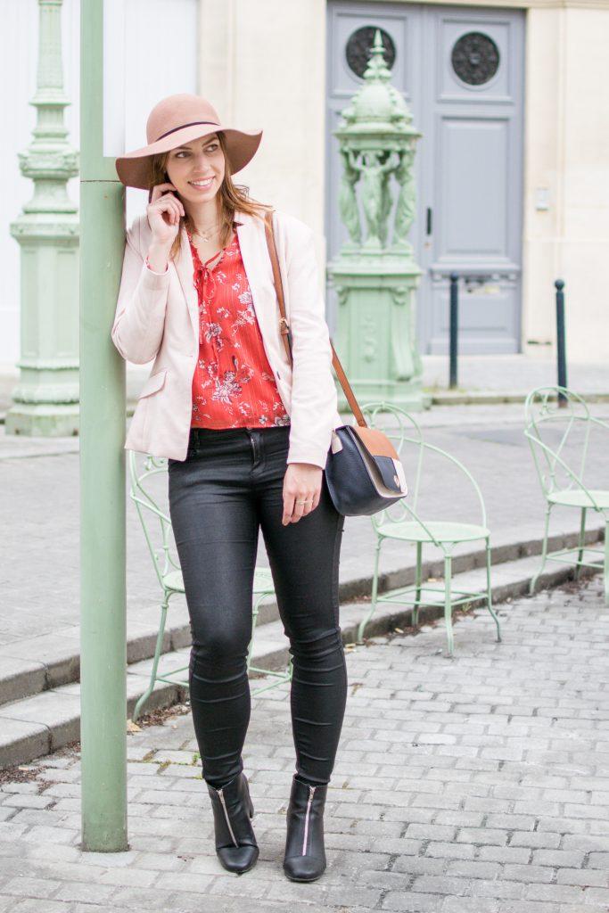 look chic blouse fleuri jean enduit noir
