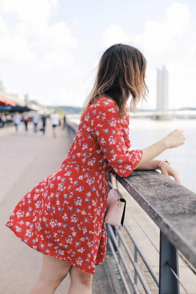 blogueuse mode bordeaux robe a fleurs