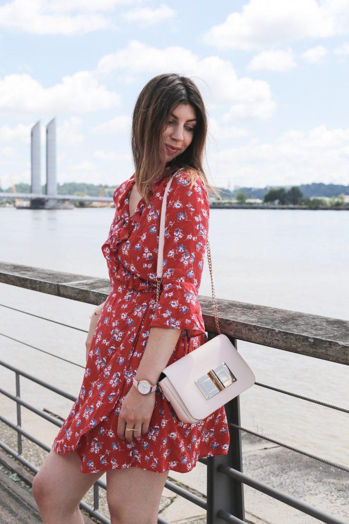 robe rouge imprime fleuri