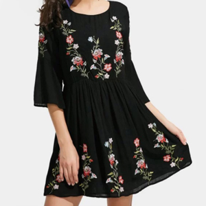 robe broderie