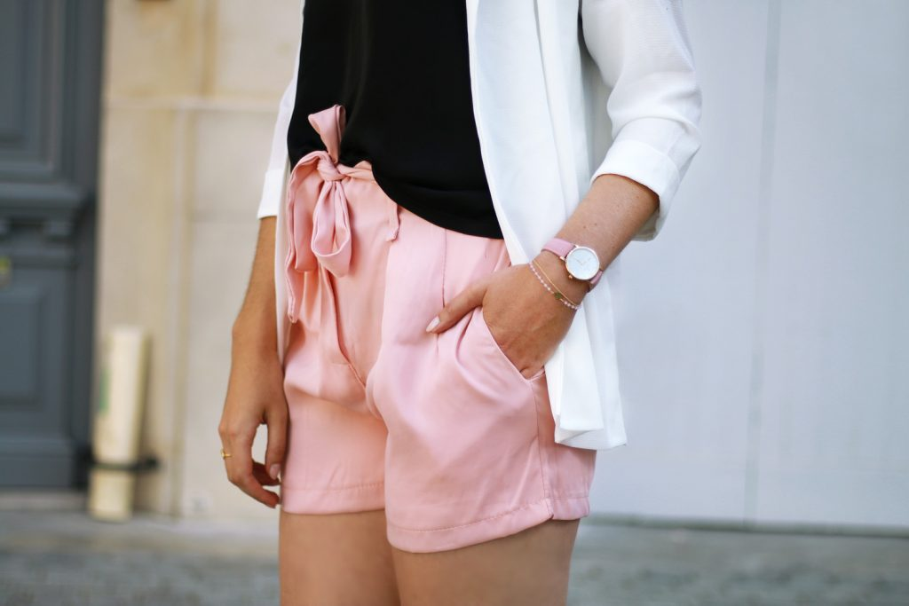 short taille haute noeud rose