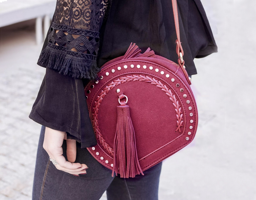 look sac rond bordeaux clous