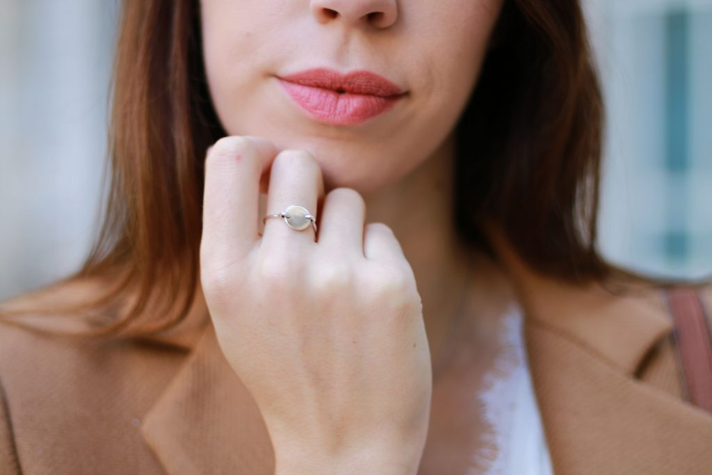 bague medaillon argent red lips