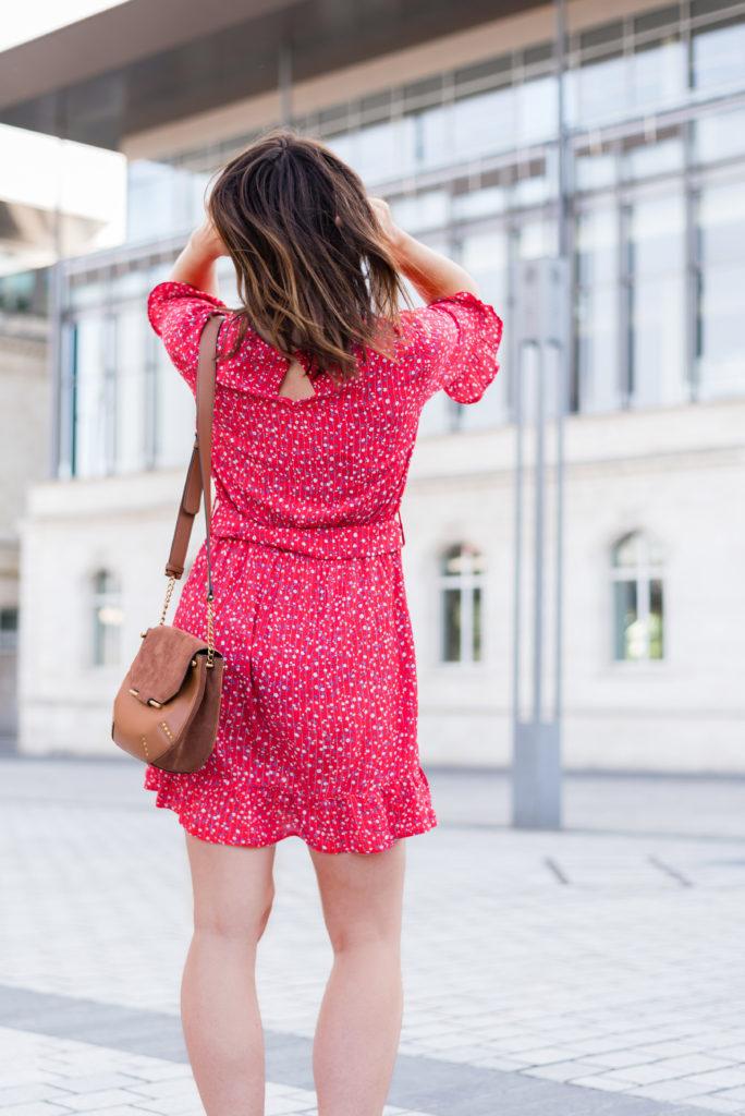 robe rouge imprimé fleurie