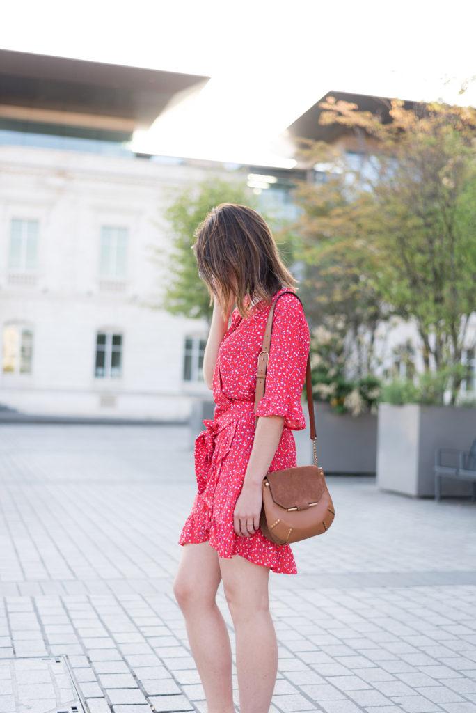 look mode robe fleurie rouge