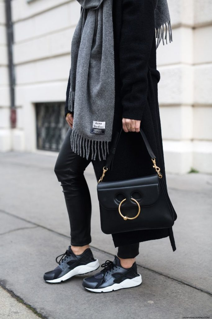 total look noir en nike huarache